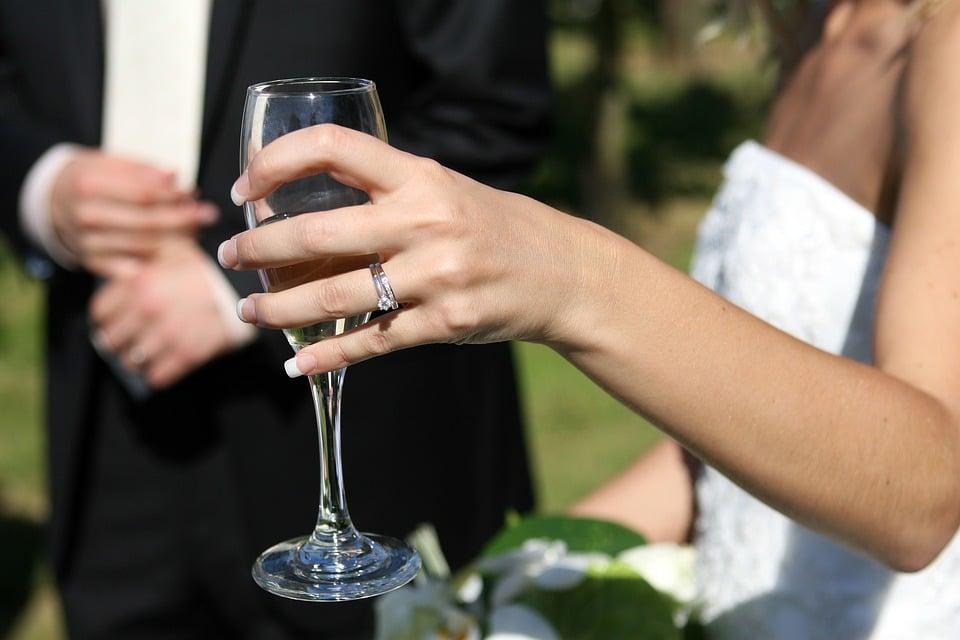 Crean sitio web para solteros católicos